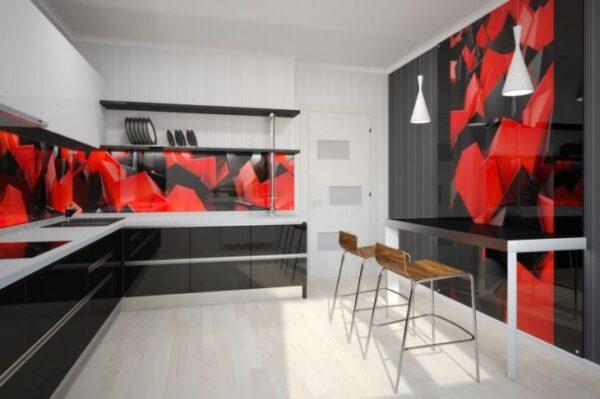 Красно-черно-белая угловая кухня с несколькими огненными деталями