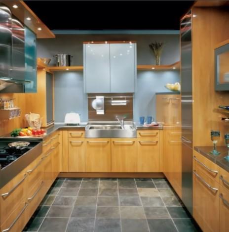 Модульная кухня после обработки полиролем