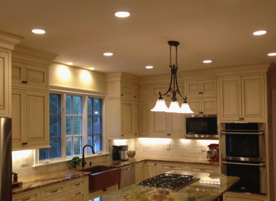 освещение на кухне без натяжного потолка