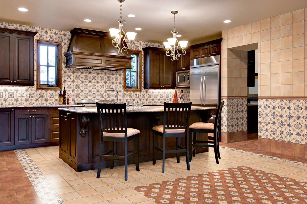 Стены кухни из керамической плитки